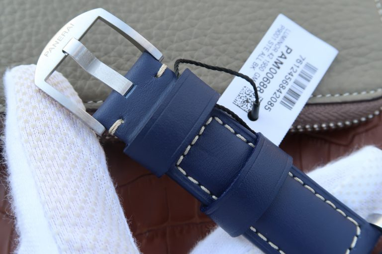 Replica PAM 688 Blue Leather Strap